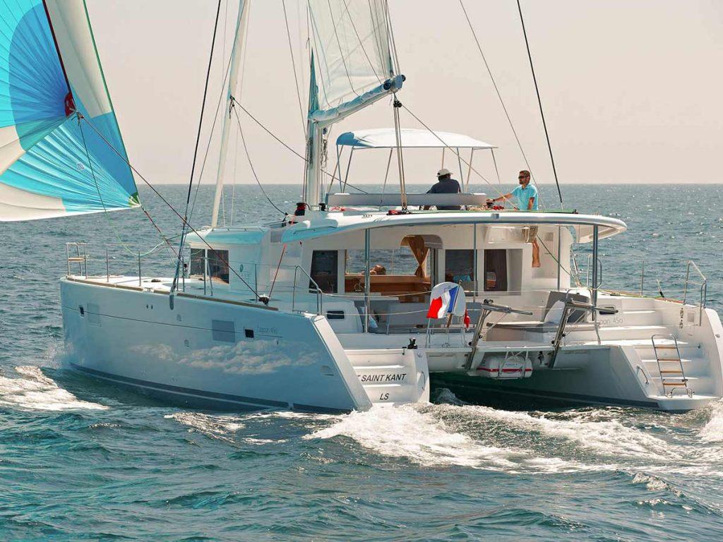 yacht sailing in Croatia